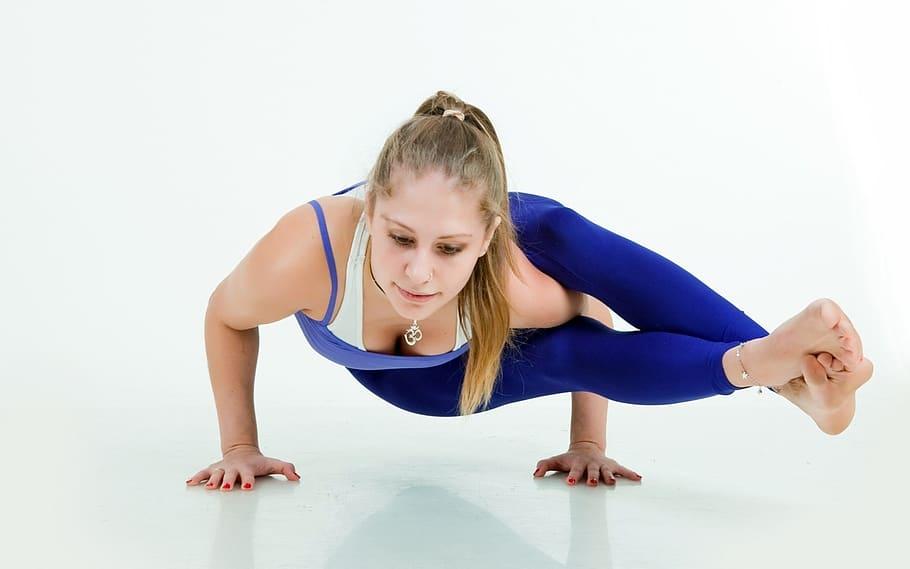 meditacion con yoga autocuidado