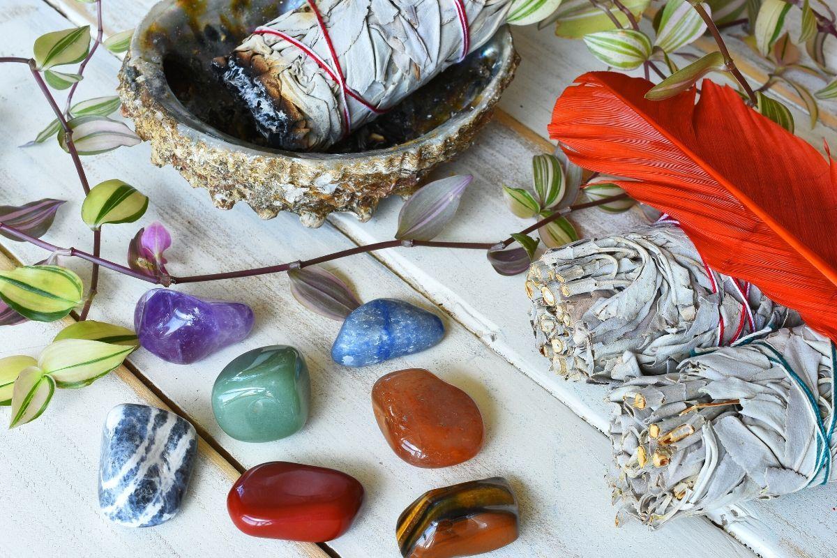 Piedras de salvia y chakra