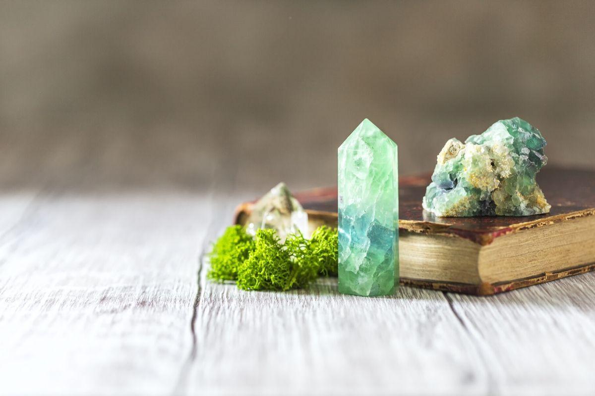 cristales en un libro